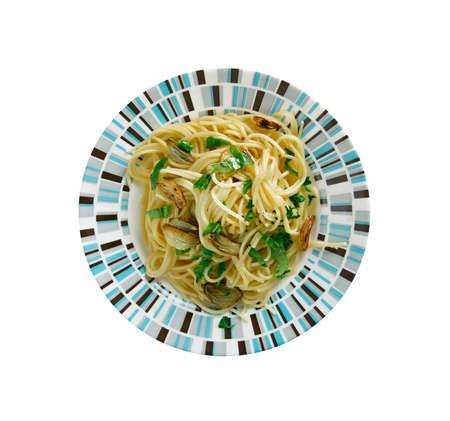 olio: Spaghetti aglio e olio -  spaghetti with garlic and oil.traditional Italian pasta dish, coming from Napoli Stock Photo