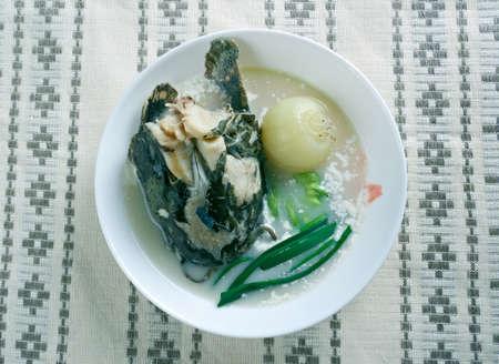 bagre: Siluro ma�z sopa - sopa picante con el siluro. Foto de archivo