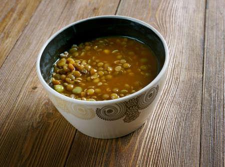lenteja: Adasi P�rsico sopa de lentejas. Foto de archivo
