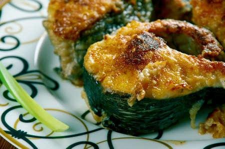 pescado frito: Takoz Palamut - pescado frito. cocina turca Foto de archivo