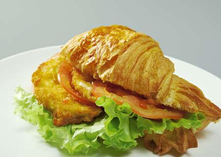 Chicken Nuggets: Ma�ana del verano Croissant del desayuno nuggets de pollo rellenas