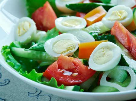 Ensalada mixta imperial - Ensalada mexicana con huevos de codorniz, verduras