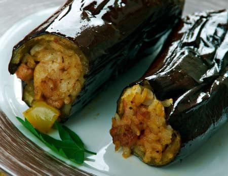 Taze Patl?can Dolmas? Tarifi .Turkish cuisine Eggplants  stuffed with meat and rice Stok Fotoğraf
