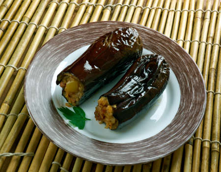 Taze Patl?can Dolmas? Tarifi .Turkish cuisine Eggplants  stuffed with meat and rice Stok Fotoğraf - 62846068