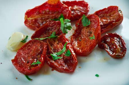 Sun-dried tomatoes. Turkish cuisine Kurutulmus Domates