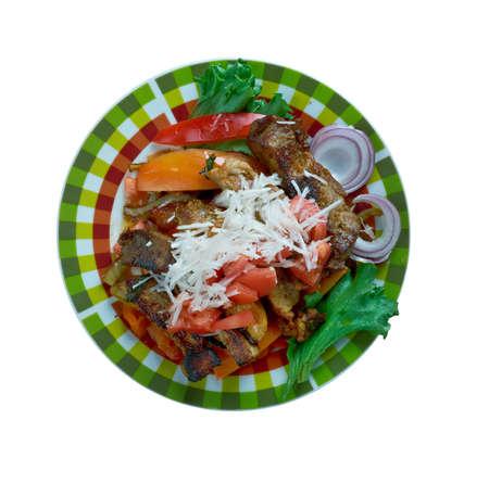 Puntas ?? filete plato regional mexicana se hace filete de ternera, y con el uso de chiles serranos verdes Foto de archivo - 64396649