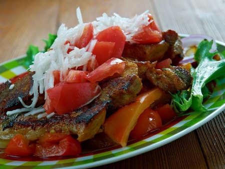 Puntas ?? filete plato regional mexicana se hace filete de ternera, y con el uso de chiles serranos verdes Foto de archivo - 64395587