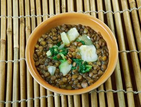 lenteja: Adas Bil Hamod  - Lebanese Lentil Lemon Soup