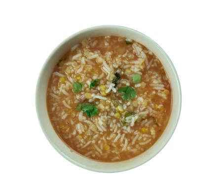 Pirincli Domates chorbasi - Turkish tomato soup with rice