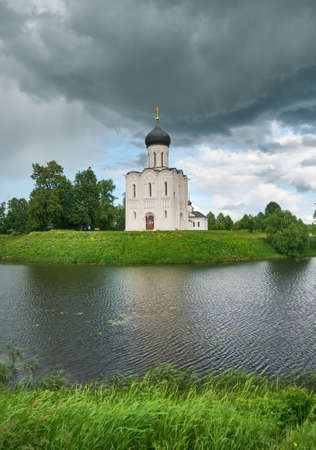 nerl: Church of the Holy Virgin on Nerl River, Bogolyubovo, Russia