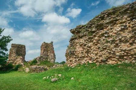 Castello di Kreva. Rovine di una grande residenza fortificata dei Granduchi di Lituania. Archivio Fotografico - 82824420