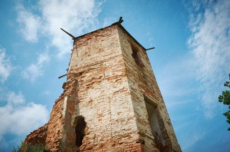 Castello di Holszany. residenza rovinata della famiglia di magnate Sapieha.Halshany, Hrodna Voblast, Bielorussia Archivio Fotografico - 84639446