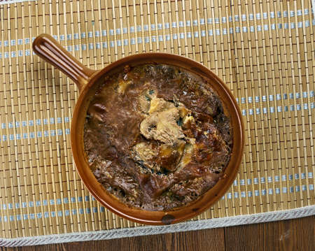Guvechte mantar - Turkish gyuvech with mushrooms