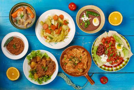Oost-Afrikaanse keuken - Traditionele geassorteerde gerechten, Bovenaanzicht.