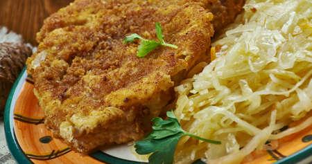 German cuisine , Secret Jagerschnitzel - German Hunter SchnitzelTraditional assorted dishes, Top view. Banque d'images - 100277554
