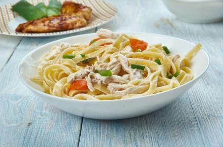 Chicken Pot Pie Fettuccine, reamy fettuccine that tastes like chicken pot pie in pasta/ Standard-Bild