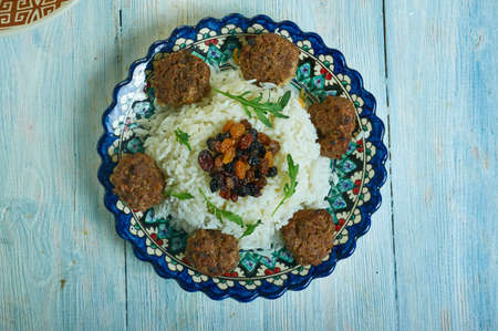Ali Pasa Pilavi - Turkish pilaf with beef meatballs