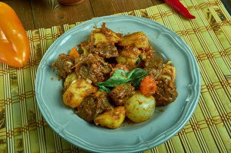 Estofado de res, Colombian Beef Stew With Tomato Sauce