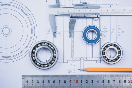 disegno tecnico e pinza con cuscinetto