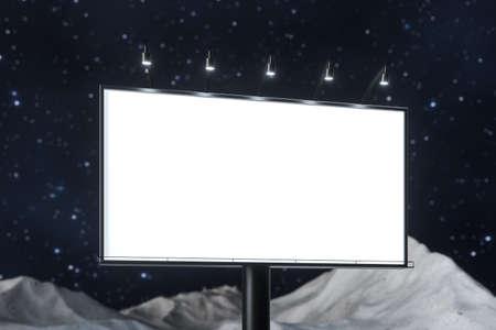 renderowania 3D, puste tablica reklamowa W nocnej scenie. Obraz cyfrowy komputera. Zdjęcie Seryjne