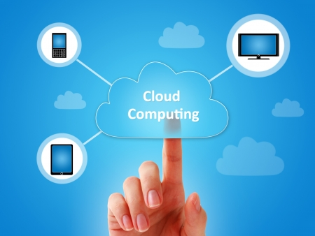 La computación en nube collage sobre fondo azul. Foto de archivo