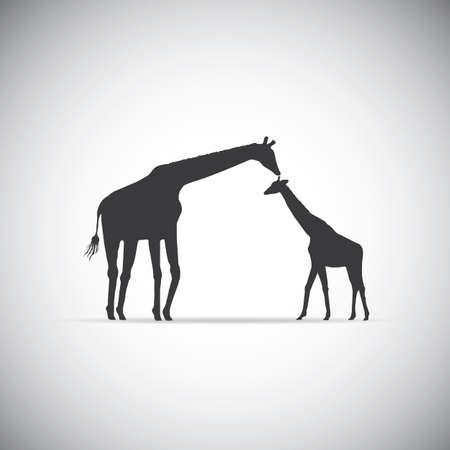 Silhouette von Mutter Giraffe mit ihrem Baby