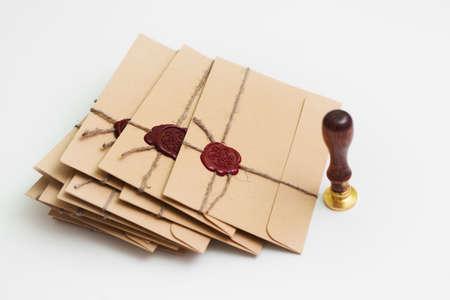 Confezione di lettere con vecchio timbro stile di ceralacca