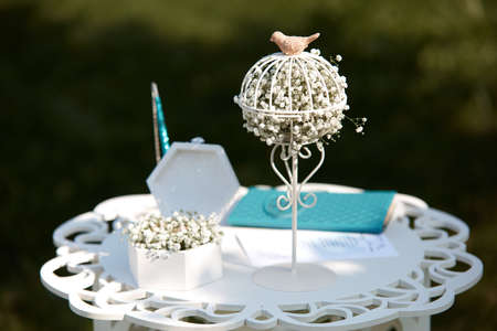 Wedding summer outdoor registration decoration of the table