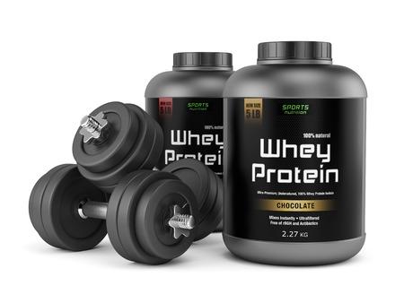 Paar dumbbells en potten van wei-eiwit geïsoleerd op een witte achtergrond. Sportvoeding, bodybuilding supplementen, fitness, bodybuilding, fitness en gezonde levensstijl concept. Stockfoto