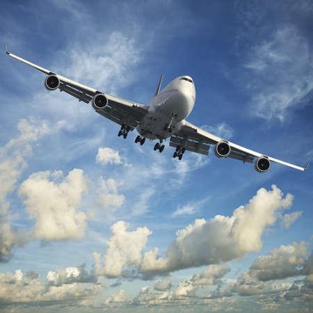 Straalvliegtuig in een ochtendhemel