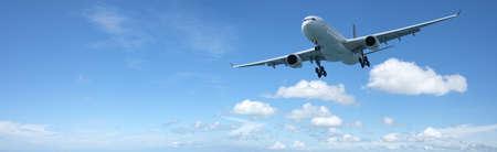 Jet vliegtuig tijdens de vlucht. Panoramische samenstelling in hoge resolutie. Stockfoto