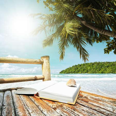 私の夏の休暇。正方形の組成物。