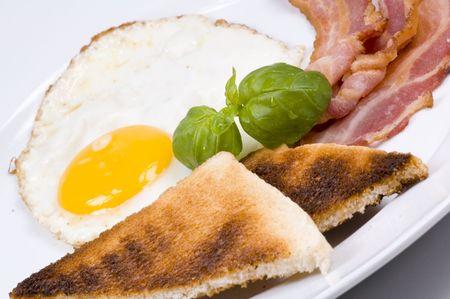tilted: breakfast tilted to the left