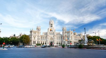 palacio de comunicaciones: Palacio de Comunicaciones at Plaza de Cibeles in Madrid, Spain