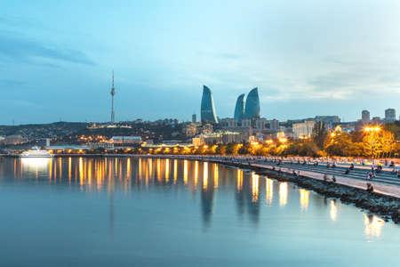 Baku city Caspian Sea Boulevard at evening time 免版税图像 - 156133040