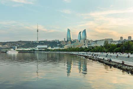 Baku city Caspian Sea Boulevard at sunset time 免版税图像 - 156133039