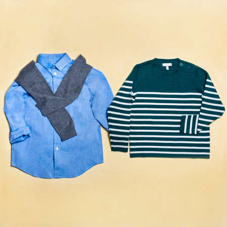 Casual man wear shirt and sweater isolated top view 免版税图像 - 156197468