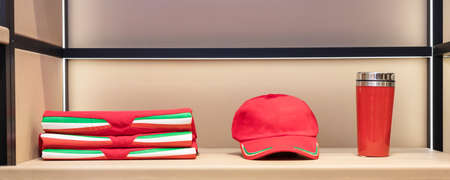 Red cup cap and t-shirt set isolated 免版税图像 - 156253813