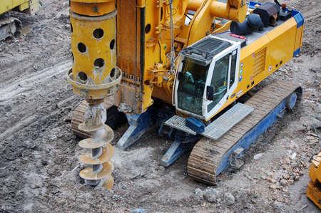 Caterpillar tractor boormachines aarde