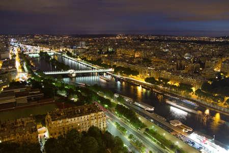 seine: Parijs bij nacht