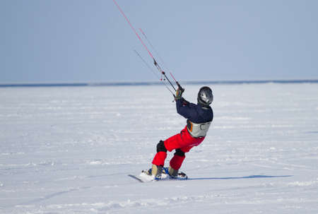 snowkiting: Winter Snowkiting on the lake
