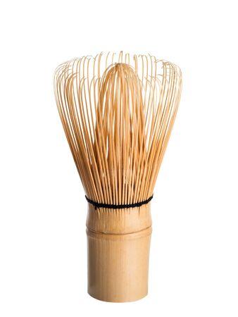 Bambus Matcha Tee Schneebesen auch als Chasen bekannt. Isoliert auf weißem Hintergrund. Chasen-Verwendung für japanischen grünen Streichholztee
