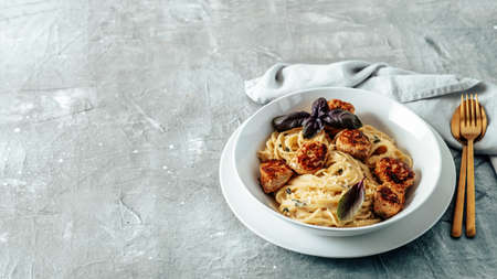 Zucchini Parmesan Meatballs with Pasta Carbonara Banque d'images