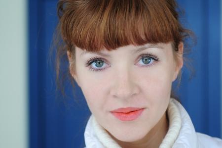아름다운 섹시 백인 파란색 눈동자 여자가 초상화 스톡 콘텐츠