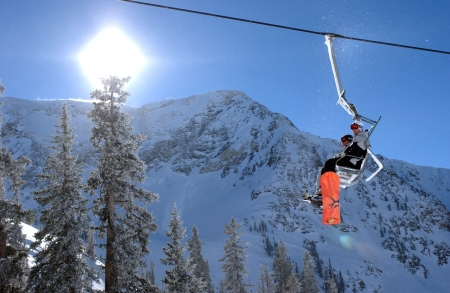 Spectaculair uitzicht op de bergen van Snowbird ski resort in Utah, Verenigde Staten Redactioneel