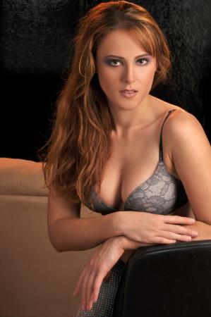 femme en lingerie: Portrait de la lingerie belle fille sexy portant