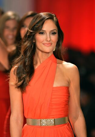 NEW YORK, NY - FEBRUARY 06: Minka Kelly wearing Oscar de la Renta walks the runway at The Heart Truth