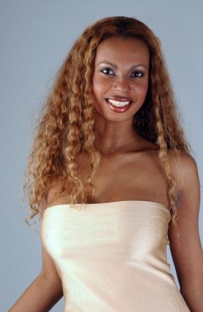 american sexy: Красивый афро-американской модели позируют носить модные платья Фото со стока