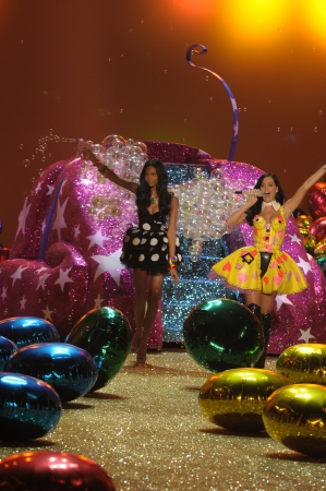 NEW YORK - NOVEMBER 10: Singer Katy Perry performs during the 2010 Victorias Secret Fashion Show on November 10, 2010 at the Lexington Armory in New York City.