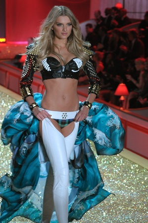 NEW YORK - NOVEMBER 10: Victorias Secret Fashion Show model walks the runway during the 2010 Victorias Secret Fashion Show on November 10, 2010 at the Lexington Armory in New York City.